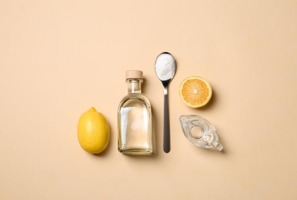 Hausmittel, Essig, Zitronensaft