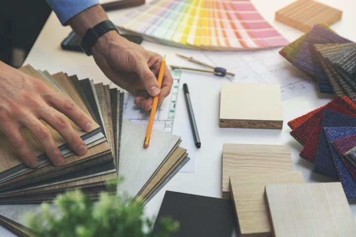 man erkennt verschiedenste Materialien und, Stifte
